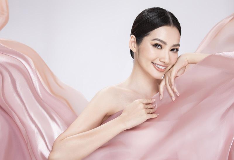"""Hoa Hậu Trúc Diễm: """"Tìm lại vẻ đẹp tự nhiên cho chân mày tại DIVA"""""""